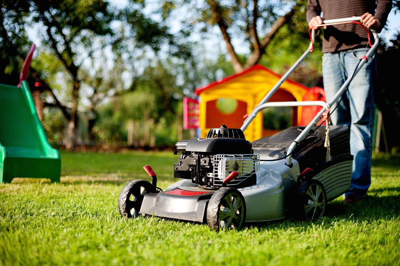 Learn how to mow your grass correctly to maintain turf quality.