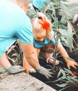 reasons to begin gardening early in life